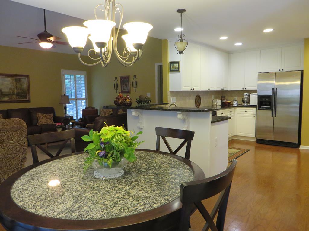 Home In Suwanee Preston Oaks